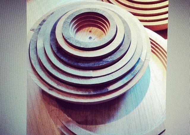 da #rossanaorlandi ciotole in legno #fuorisalonecf #fuorisalone #milano #designweek