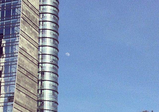 Lei c'è. La Luna. #fuorisalone #fuorisalonecf #igmilano