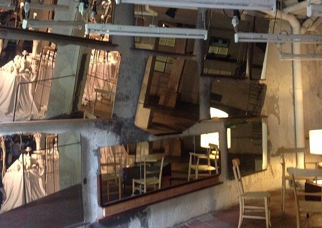 Da Marras via cola di rienzo 8 una scenografica parete