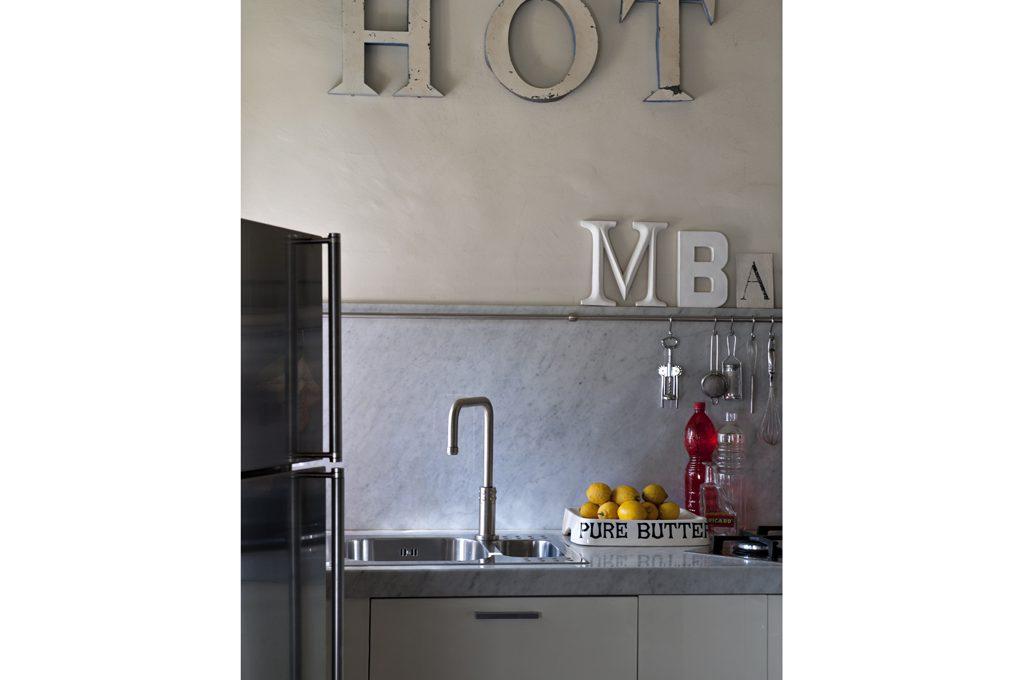 Decorare con il lettering casafacile - Decorare frigorifero ...