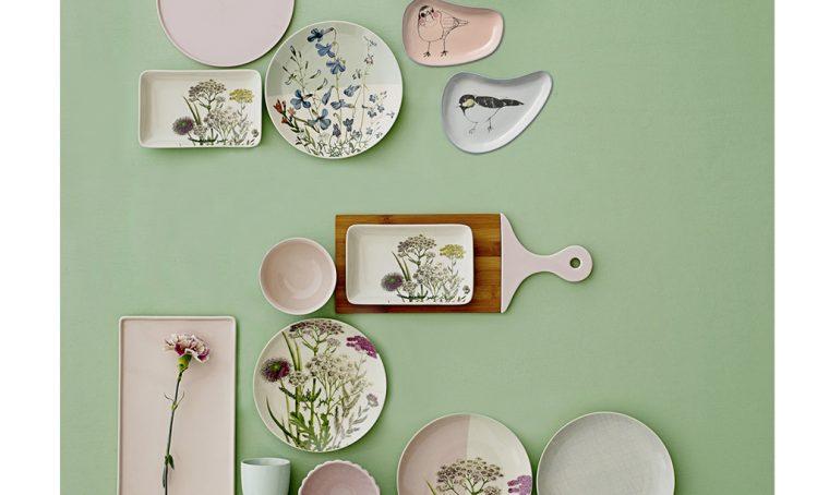 Appendi i piatti al muro!