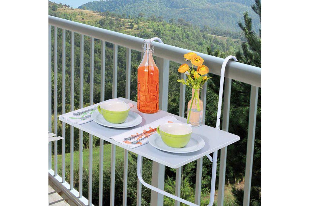 Balcone piccolo 12 idee per spazi small casafacile for Amazon portavasi da balcone