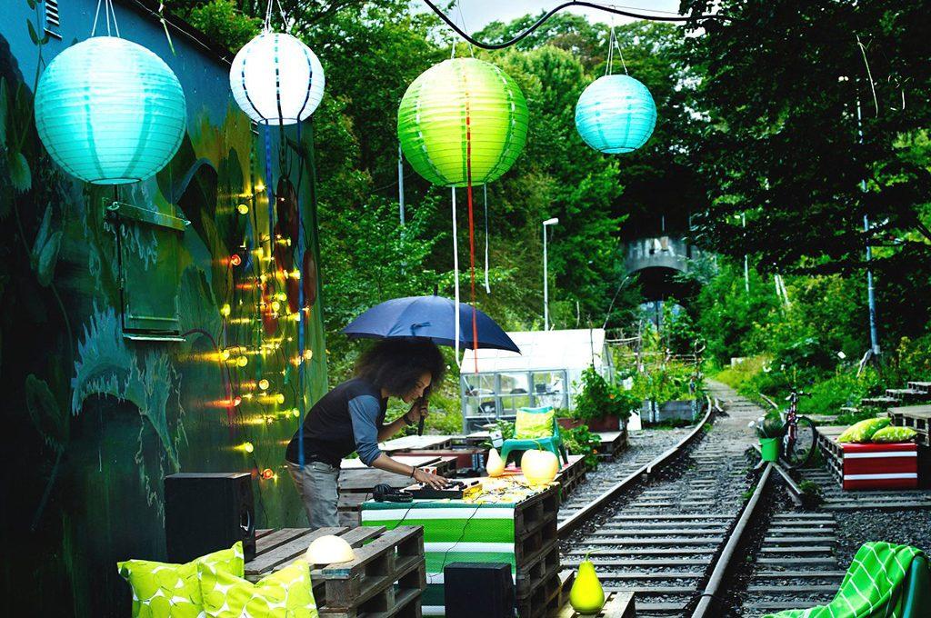 10 lanterne outdoor casafacile - Sfere luminose da giardino ikea ...