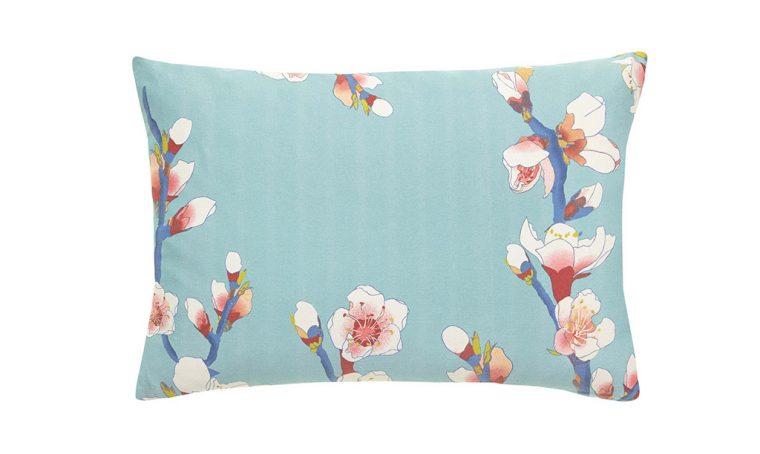 Tendenza fiori anche sugli oggetti di casa