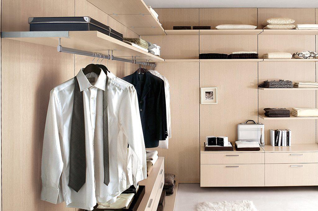 Come progettare una cabina armadio ad angolo - CASAfacile