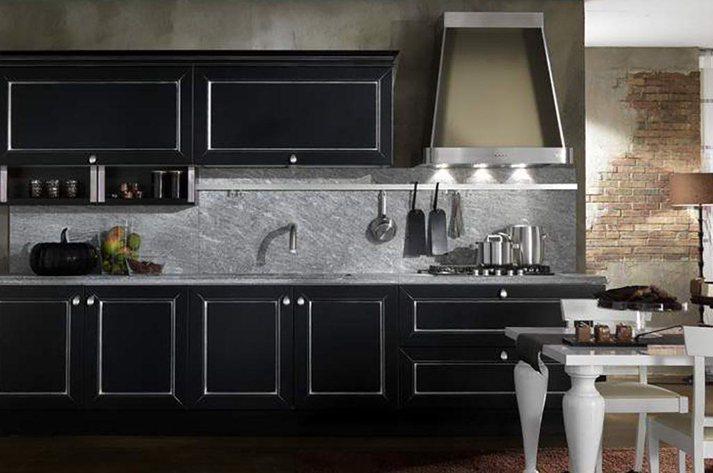 7 buone ragioni per scegliere la cucina nera casafacile for Cucina nera