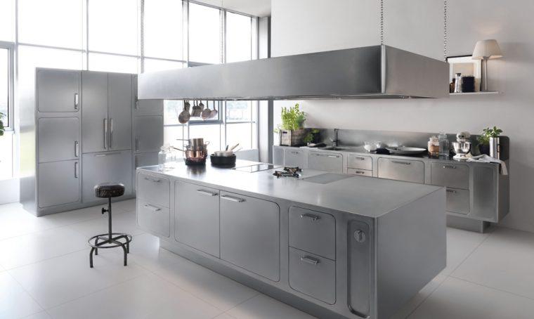 Acciaio in cucina (per mobili e accessori): ecco perché è il materiale top