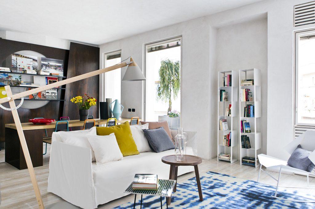 Cosa Mettere Dietro Al Divano : Come illuminare la zona del divano casafacile