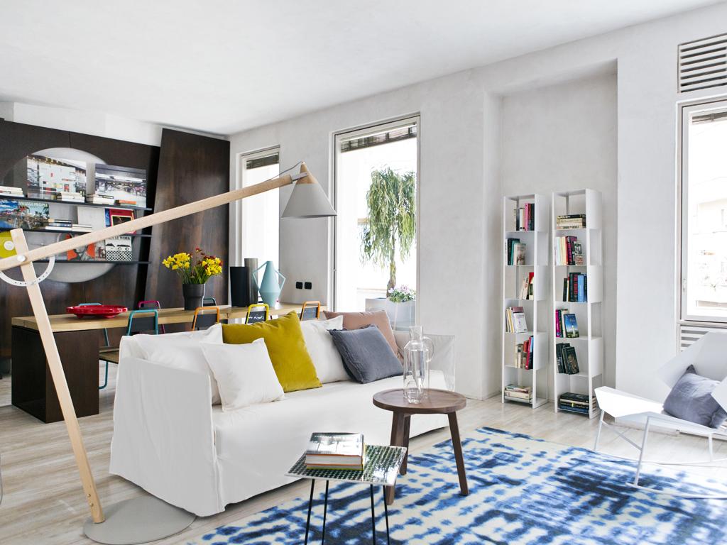 Come illuminare la zona del divano casafacile for Come trovare la casa perfetta