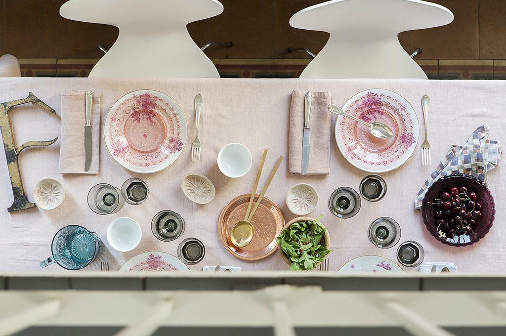 20 modi di apparecchiare la tavola con stile casafacile for Tavole apparecchiate moderne