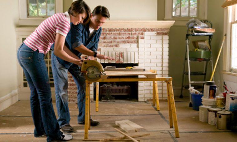 Devi ristrutturare? Ecco come trovare piastrellista, parquesttista, imbianchino, ecc.