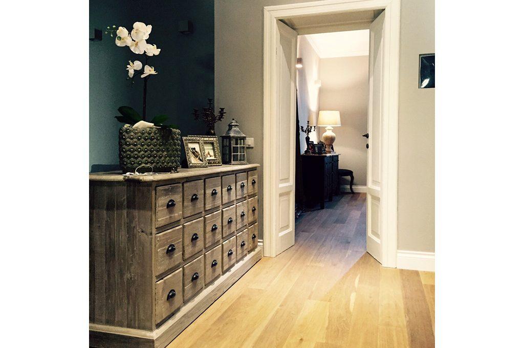 Ristrutturare un appartamento in uno stile classico e for Case in stile prateria contemporaneo