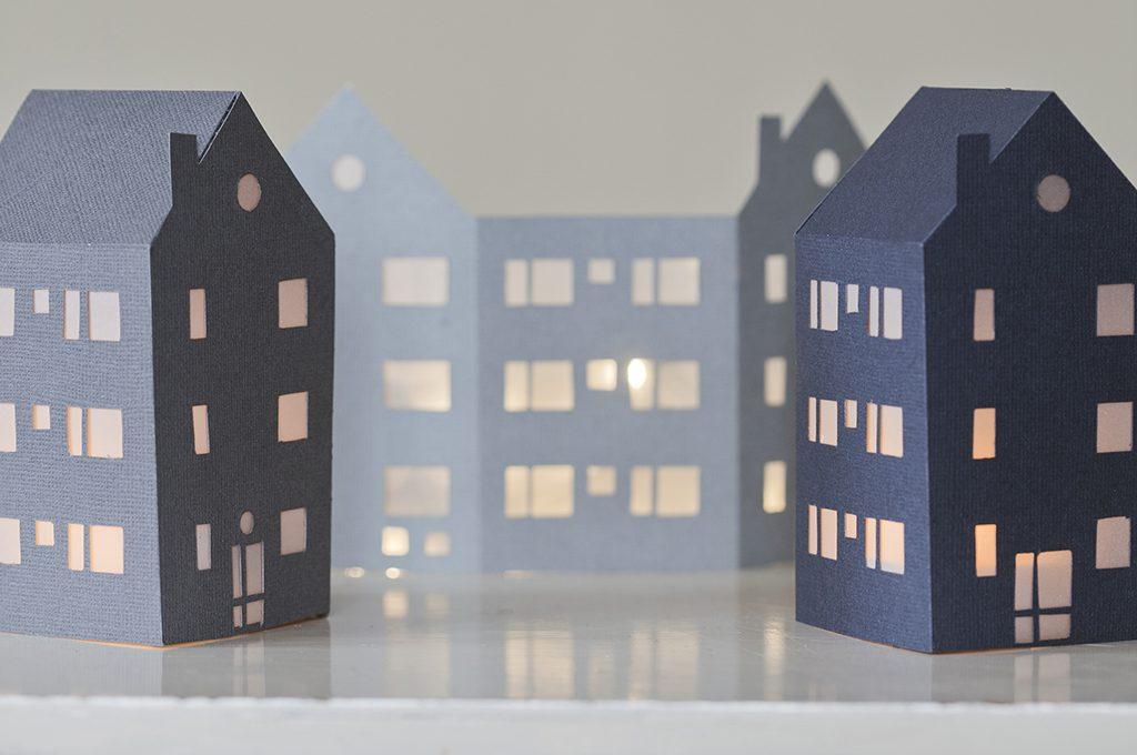 Casetta Di Natale Da Colorare : Decorazioni di natale da stampare le casette illuminate casafacile