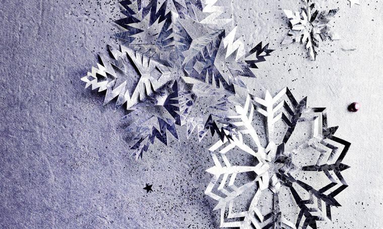 Decorazioni di Natale da stampare: fiocchi di neve in carta