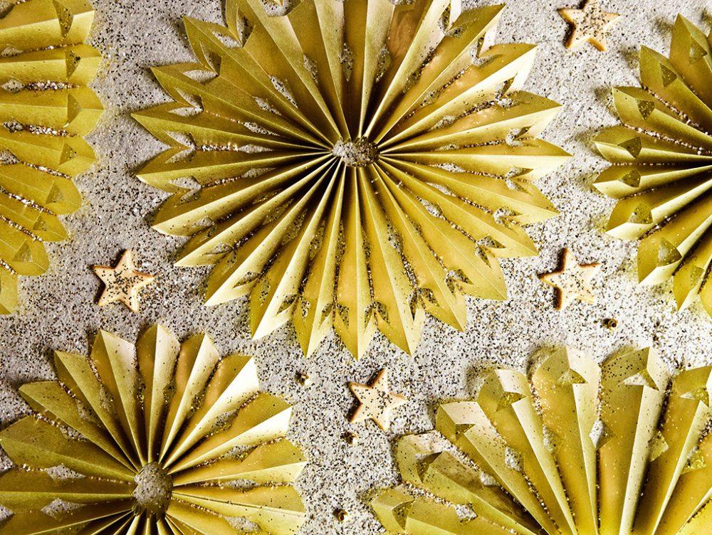 Decorazioni di Natale da stampare: la girandola papercutting