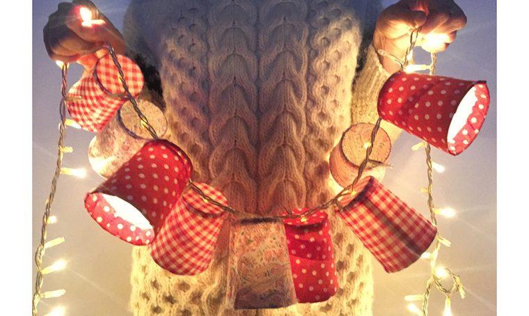 Decorazioni di Natale: la ghirlanda di lanterne