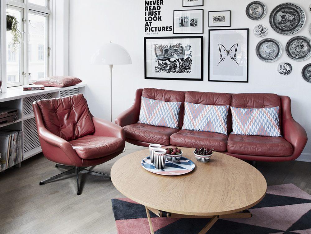 Come pulire il divano non sfoderabile casafacile - Pulire divano in pelle ...