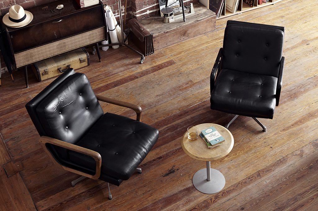 Come pulire i divani di pelle casafacile - Pulire divano di pelle ...