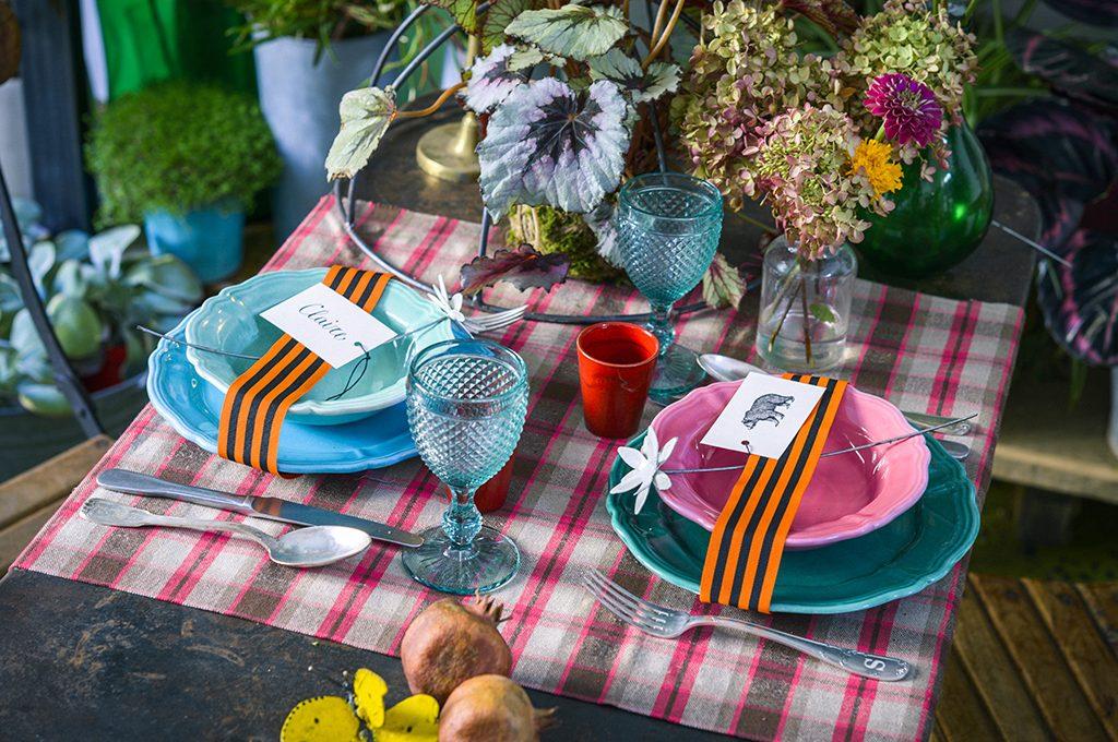 Come decorare la tavola di natale casafacile - Decorare la tavola a natale ...