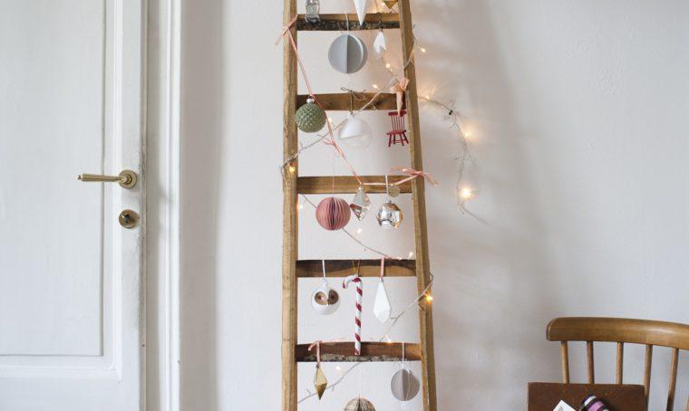Addobbi di Natale fai da te: palline di carta