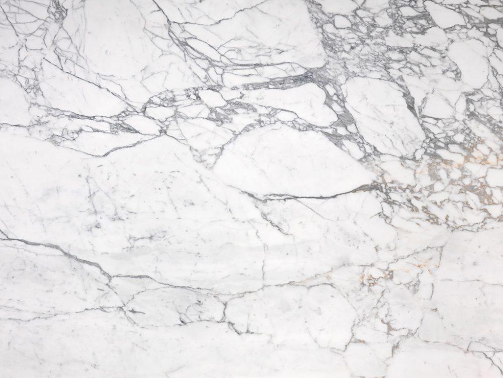 Come pulire il marmo: trucchi e consigli fai-da-te
