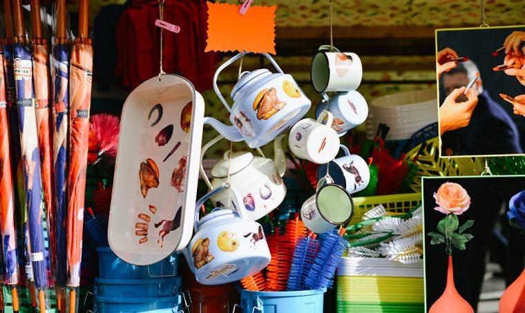Venditori ambulanti per Seletti, a Pitti Uomo 2016