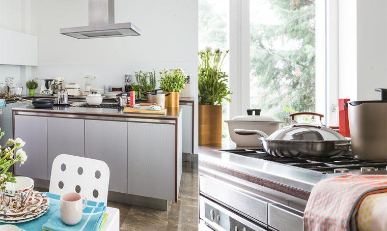 Mettere su casa: gli utensili indispensabili in cucina