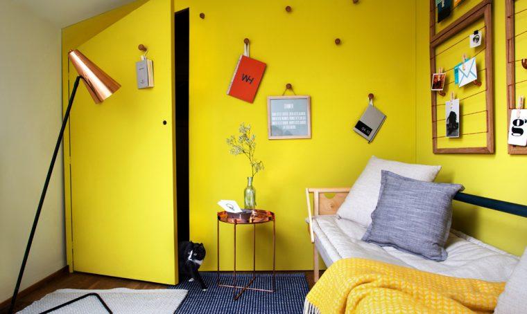 La stanza due in uno: camera degli ospiti e lavanderia guardaroba