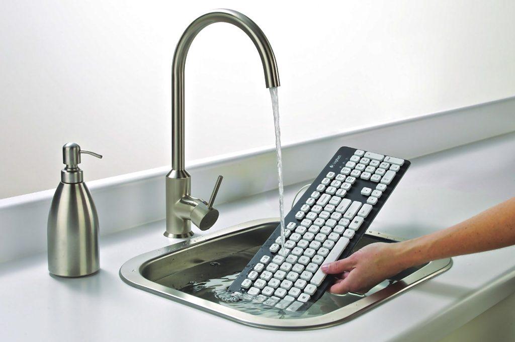 come pulire il computer e la tastiera - casafacile