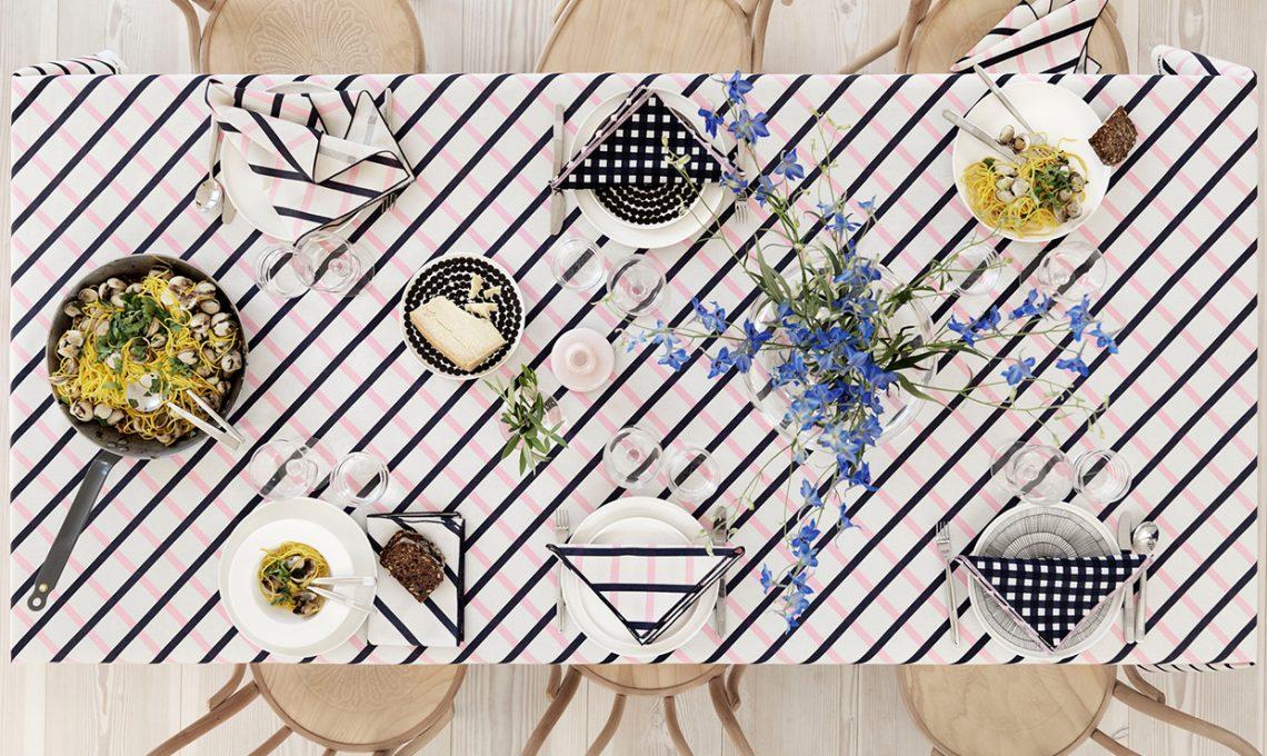 Apparecchiare la tavola: festa in giardino