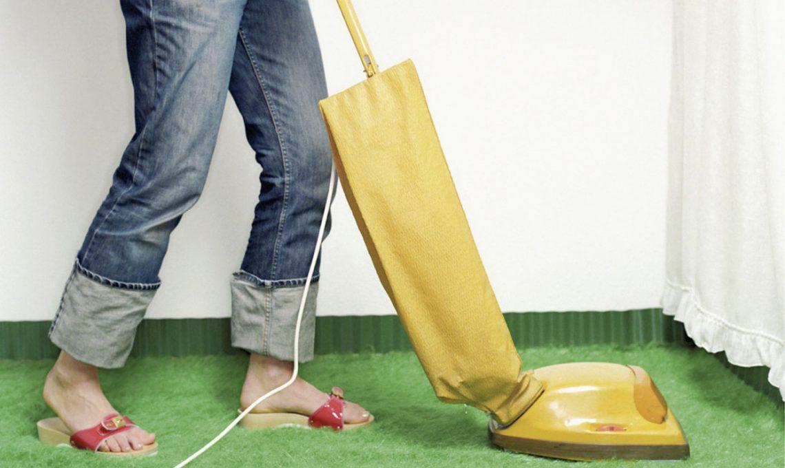 Pulire i tappeti piccoli trucchi e accorgimenti casafacile - Pulire tappeti in casa ...