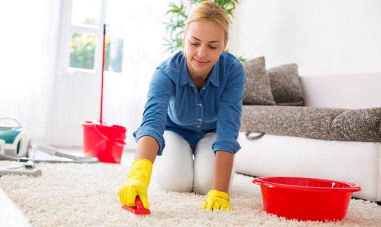 Pulire i tappeti: piccoli trucchi e accorgimenti
