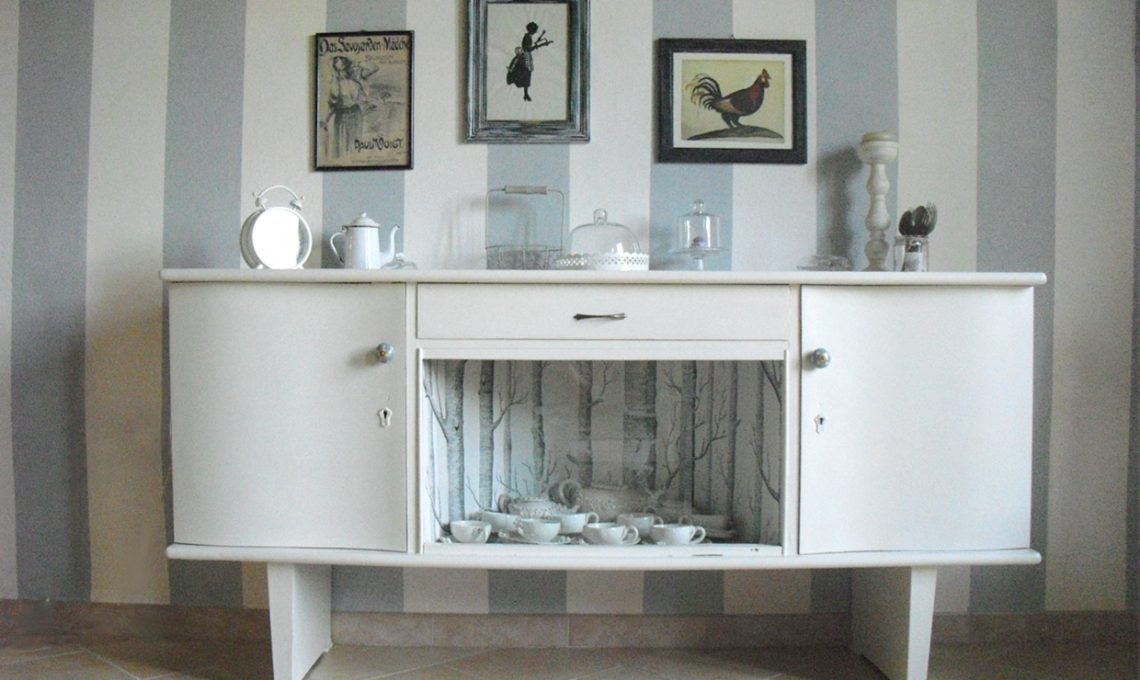 Piccola Credenza Da Restaurare : Come ridipingere e decorare una vecchia credenza casafacile