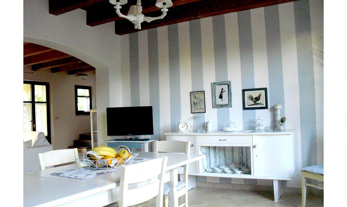 Credenza Da Terrazzo : Come ridipingere e decorare una vecchia credenza casafacile