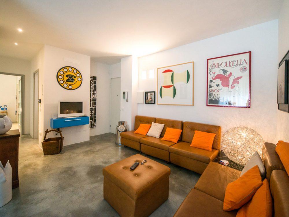 Puertas Abiertas Un Apartamento Abuhardillado De 31 Case