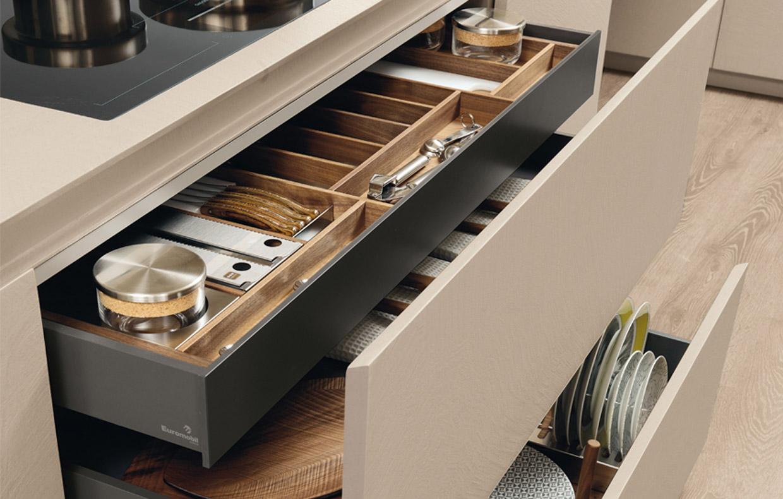 Come organizzare la cucina in 5 mosse casafacile for Accessori per cucina moderna