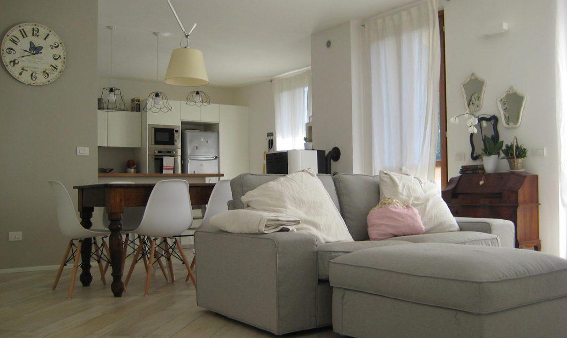 Arredare una casa tutta in bianco casafacile for Belle case arredate