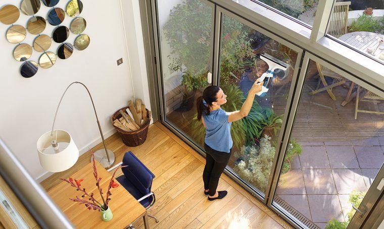 Nuove tecniche (e prodotti) per la pulizia dei vetri