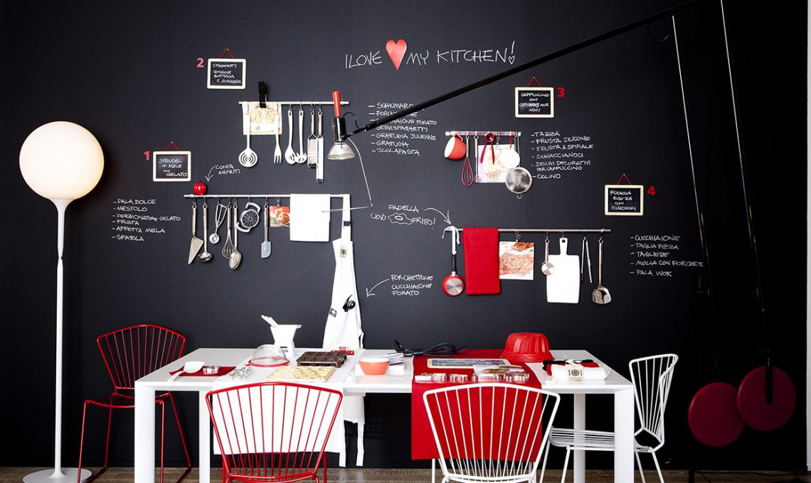 100 trucchi per organizzare la cucina casafacile - Mobiletto fai da te ...