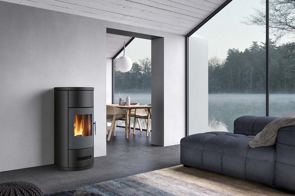 Con le nuove stufe a pellet di piazzetta riscaldi tutta la - Riscaldare casa in modo economico ...