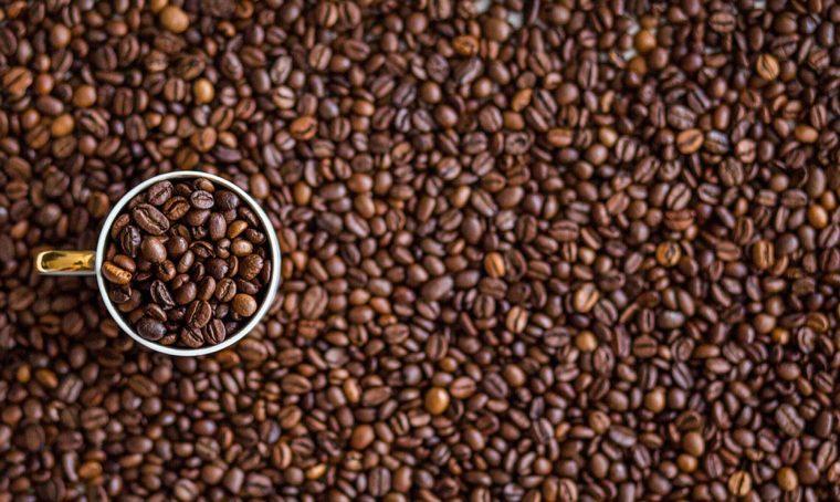 20 modi per riciclare i fondi di caffè