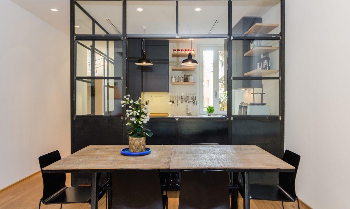 La stanza nella stanza: la cucina a vista nel box di vetro - CASAfacile