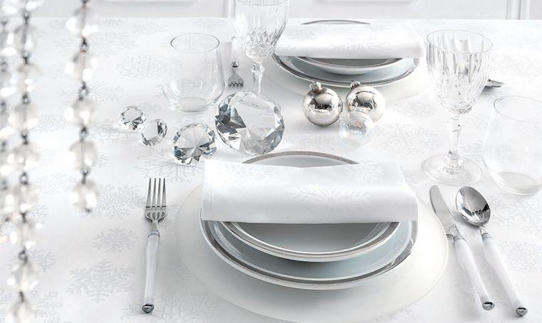 Come pulire il servizio di piatti in porcellana