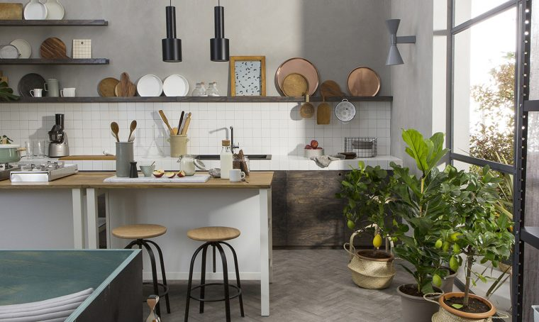 La cucina in muratura in un ambiente multifunzionale