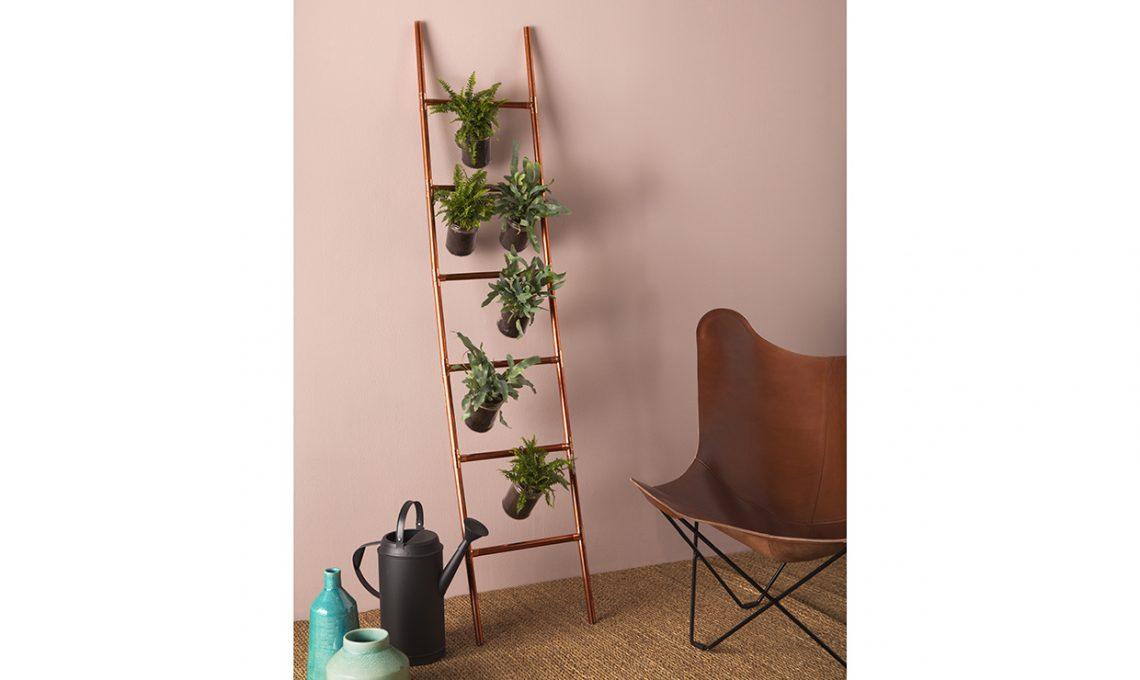 Costruisci la scaletta portatutto fai da te casafacile for Scaletta decorativa