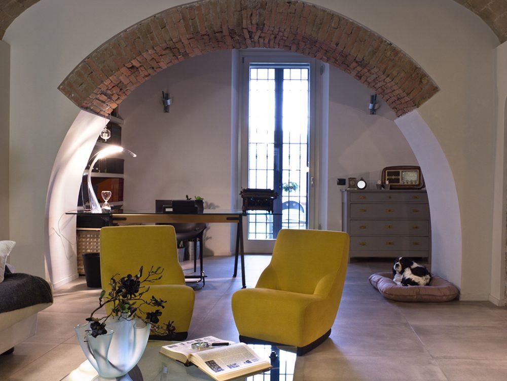 Un ristorante diventa appartamento, con muri di pietra