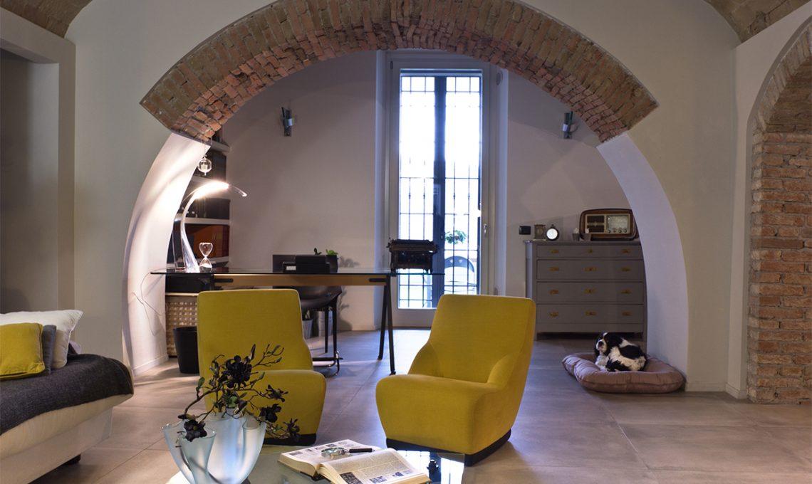 Un ristorante diventa appartamento con muri di pietra for Ristrutturare casa di campagna fai da te