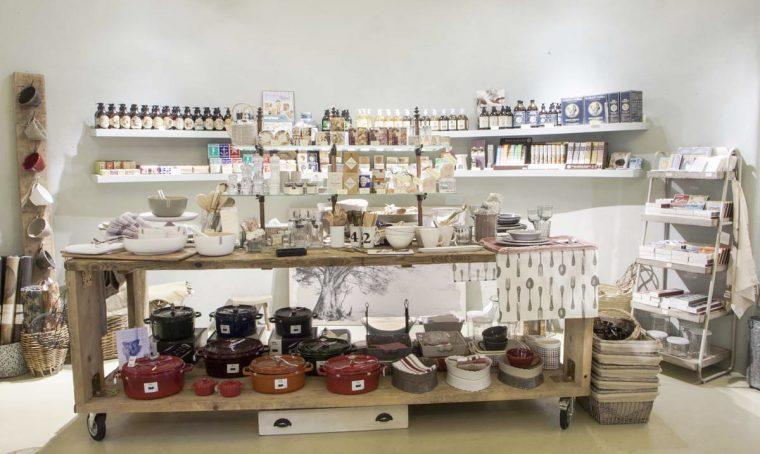 Shopping tour tra negozi di design e vintage a Modena