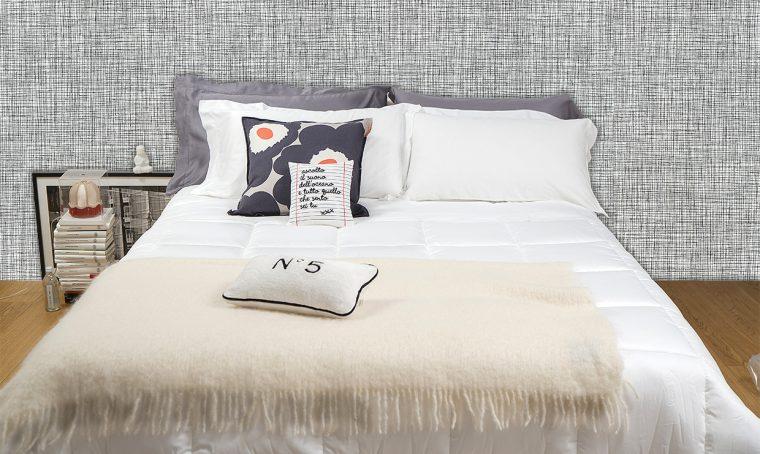 Relooking del letto partendo da classiche lenzuola bianche!