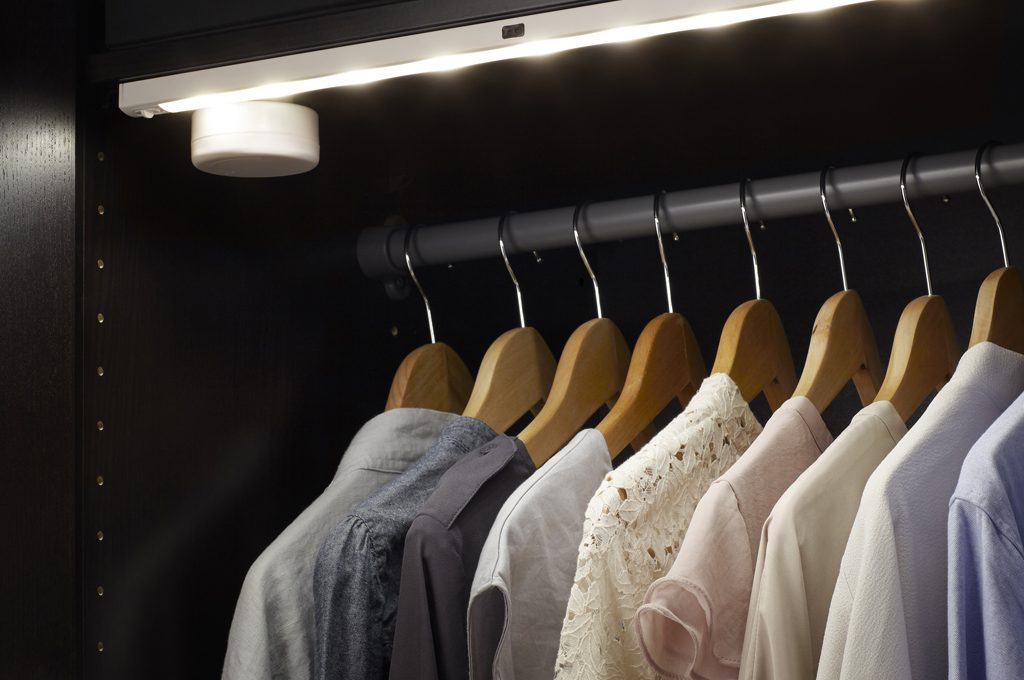 Come illuminare a led l armadio e la cabina armadio casafacile